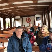 Tour en bateau sur le canal de Chanaz